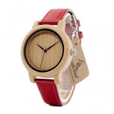 montre en bois rouge pour femme